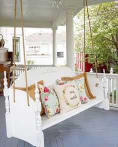 There is something so relaxing about a porch swing bed! Learn how you can turn any old wood headbood into a beautiful front porch swing bed. Farmhouse Porch Swings, Farmhouse Front Porches, Porch Swings Plans, Bed Swings, Cottage Porch, Home Design, Design Ideas, Backyard Swings, Outdoor Swings