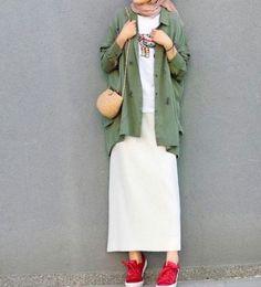 Hijab styles 394909461071812090 – Hijab style 💚⭐ Source by nodydina - hijab outfit Modern Hijab Fashion, Street Hijab Fashion, Hijab Fashion Inspiration, Muslim Fashion, Modest Fashion, Look Fashion, Hijab Fashion Style, Fashion Muslimah, Fashion Ideas