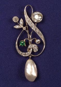 Edwardian Diamond, Pearl and Emerald Pin | Skinner Auctioneers