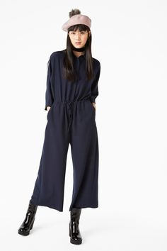 Made for moving (and grooving when required), this wide fitting 1/2 sleeve jumpsuit is so versatile it can be used for any occassion!