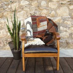 #rug #carpet #interiordesign #interior #decor #handmade #home #homedecor #rugs #kilim #wool #local #handweaving #handweaved #weaving #tissage #laine #Corsica #madeinCorsica #Corse #artisanat #madeinFrance