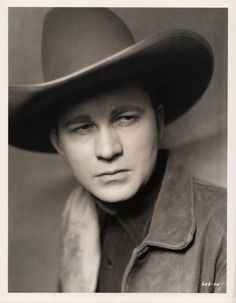 Tex Ritter he studied to be a lawyer then became a singing cowboy- appealing Tex Ritter, John Wayne, 1 John, Loretta Lynn, Cowboy Up, Thing 1, Country Music Singers, Western Movies, Film Movie