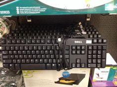 Iemand een toetsenbord nodig kom langs in HARLINGEN bij onze kooppleinwinkel