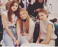 Taylor Hill, Romee Strijd and Sanne Vloet Taylor Hill, Victorias Secret Models, Beautiful Models, Pretty People, Supermodels, Flower Girl Dresses, Vogue, Couple Photos, Wedding Dresses