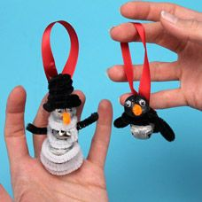 Fun snowman with a jingle bell belly and a orange button for a nose. Preschool Christmas Crafts, Winter Crafts For Kids, Holiday Crafts, Diy Christmas Ornaments, Christmas Holidays, Christmas Stuff, Homemade Christmas Decorations, Snow Party, Reindeer Games