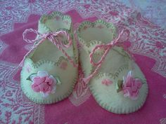 baby booties wool felt, Princess perfect!!