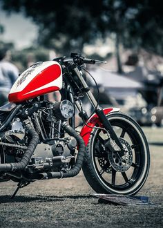 Yeah yeah, no 48.  I dig the look of this old Ironhead and can't help but wonder what it would look like with a fat tire up front.