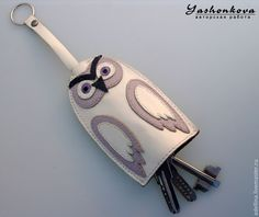 Leather Diy Crafts, Leather Projects, Leather Craft, Tandy Leather, Leather Key, Bike Craft, Animal Bag, Owl Crafts, Leather Carving