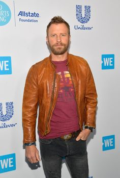 Dierks Bentley Photos - Dierks Bentley attends WE Day California at The Forum on April 19 2018 in Inglewood California. - WE Day California To Celebrate Young People Changing The World American Country Music Awards, Country Music Stars, Country Music Singers, Inglewood California, Boy Celebrities, Jake Owen, Dierks Bentley, Florida Georgia Line, Eric Church