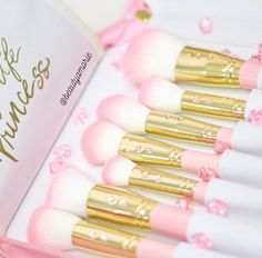 Handcrafted beauty products including Mink luxury lashes, Glam boutique brushes and Sweet scented candles.