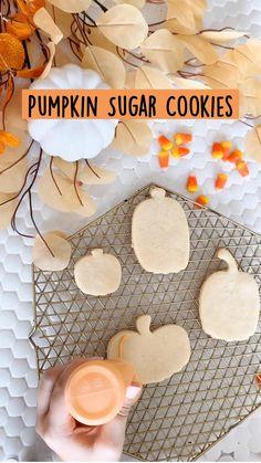Pumpkin Sugar Cookies, Fall Cookies, Halloween Sugar Cookies, Pumpkin Recipes, Fall Recipes, Holiday Recipes, Fall Desserts, Delicious Desserts, Fall Dessert Recipes
