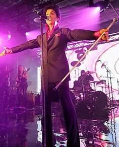 #prince #guitargod #legend #theartist #princerogersnelson #hisroyalbadness #princestagram #thepurpleone #slay #bae #purplerain #mrstealyourgirl #thebeautifulones #gonetoosoon #musicology #iloveprince #lovesexy #tafkap #guitarhero #guitarist #musicgenius #musicgod #ripprince #theartistformerlyknownasprince #rip