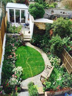 65 minimalist garden design ideas for small garden 2019 page 10 Centralcheff. Backyard Garden Landscape, Small Backyard Gardens, Back Gardens, Small Gardens, Backyard Landscaping, Outdoor Gardens, Garden Path, Terrace Garden, Herb Garden