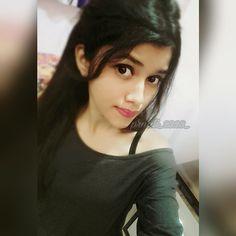 Beautiful Girl Photo, Cute Girl Photo, Beautiful Girl Indian, Beautiful Girl Image, Girl Photo Poses, Girl Photography Poses, Girl Poses, Stylish Girls Photos, Stylish Girl Pic