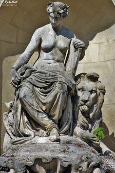 Fontaine Cuvier � Paris 5eme arrondissement Paris paris 5eme arrondissement France, auteur Pascal-Jean Rebillat Photographies pour Patrimoine de France, aucun partage sans mention de la source et de l'auteur merci.