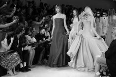 Karlie Kloss lors du final du défilé Ralph Lauren printemps-été 2014 http://www.vogue.fr/mode/inspirations/diaporama/journal-de-la-fashion-week-printemps-ete-2014-a-new-york-jour-6/15203/image/830575#!4