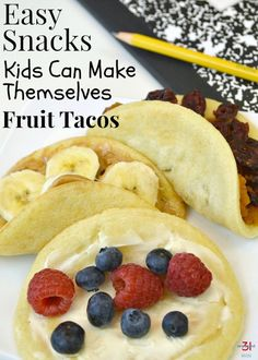 Delicious and easy snacks kids can make themselves. A great way to teach independence & life skills with after-school snacks that your kids will love. [ad] kids snacks Easy Snacks Kids Can Make Themselves - Fruit Tacos Recipes Kids Can Make, Easy Snacks For Kids, Snacks To Make, Summer Snacks, Snacks For Work, Kids Meals, Healthy Kids Snacks For School, Cooking With Kids Easy, Simple Snacks