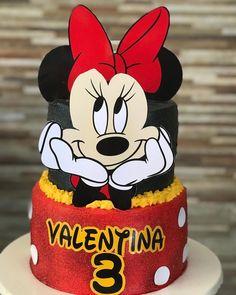Bolo da Minnie: 95 fotos lindas + passo a passo para uma festa graciosa Disney Parties, Disney Cars, Cupcakes Mickey, Bolo Fake Minnie, Pink Palette, Confectionery, Cute Photos, Coco, A Funny