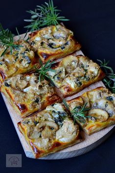 Appetizer with mushrooms and Best Appetizers, Appetizer Recipes, Healthy Salad Recipes, Vegetarian Recipes, Wine Recipes, Cooking Recipes, Baking Bad, European Dishes, Brie