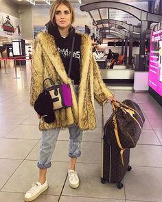 Instagram media by chiaraferragni - Bye Milan, off to Paris 🇫🇷 #TheBlondeSaladGoesToParis