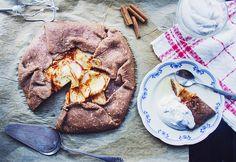Ljuvlig mjuk och saftig äppelpaj med kanel