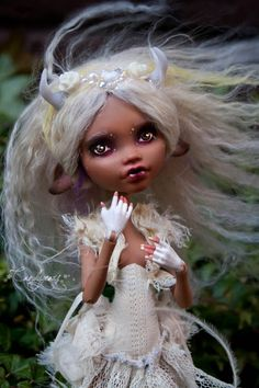 'Winter Deer' Monster High repaint makeover by Candygears Custom Monster High Dolls, Monster Dolls, Monster High Repaint, Custom Dolls, Ooak Dolls, Blythe Dolls, Art Dolls, Barbie, Ever After Dolls