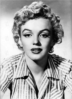 Biography of my favorite actors and actresses .: Marilyn Monroe biography and fil . - Biography of my favorite actors and actresses .: Marilyn Monroe biography and filmography biography - Marilyn Monroe Biography, Style Marilyn Monroe, Marilyn Monroe Outfits, Marilyn Monroe Costume, Marilyn Monroe Tattoo, Marilyn Monroe Fotos, Marilyn Monroe Portrait, Marylin Monroe, Old Hollywood Stars