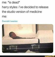 11 Funny Crush Memes That Will Make You Laugh – Memes Hilarious - Water . 11 Funny Crush Memes That Will Make You Laugh – Memes Hilarious - Water 11 lustige Crush-Memes, die dich zum Lachen bringen Funny Crush Memes, Really Funny Memes, Memes Humor, Stupid Funny Memes, Funny Tweets, Funny Relatable Memes, Crush Humor, Funniest Memes, True Memes
