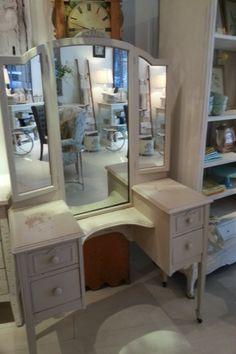Antique Vanity Dresser Claw Feet Wheels Tri Fold Hinged