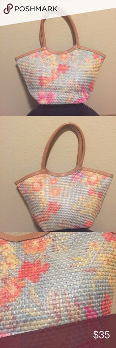 """NORDSTROM STRAW TOTE NORDSTROM STRAW TOTE- 90% cellulose, 10% cotton, 100% genuine leather trim. Length-10"""", width-15.5"""", depth-4"""".  Good condition!! Nordstrom Bags Totes"""