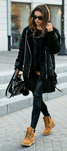 Julietta Kuczyńska wears a punky black shearling jacket over leather leggings. - Julietta Kuczyńska wears a punky black shearling jacket over leather leggings, paired with class - Mode Timberland, Outfit Timberland, Timberland Boots Women, Fashion Mode, Look Fashion, Winter Fashion, Womens Fashion, Street Fashion, Latest Fashion