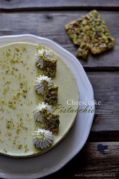 Cheesecake al pistacchio http://www.zagaraecedro.ifood.it/2016/07/cheesecake-al-pistacchio.html