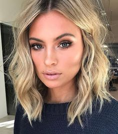 20 beste kurze Haare für welliges Haar You are in the right place about wavy hair sew in Here we off Cute Simple Hairstyles, Cool Short Hairstyles, Short Hair Styles, Hairstyle Short, Wavy Lob Haircut, Hairstyles Haircuts, 2018 Haircuts, Thin Hair Styles For Women, Cute Hair Cuts Short