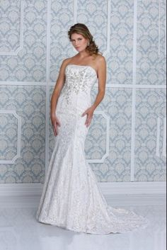 Impression Bridal : Style #10216 (available colours : White/White, Diamond White/Diamond White, Ivory/Ivory, Gold/Ivory)