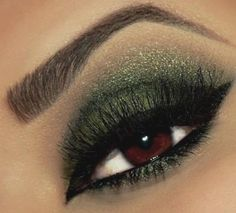 "Sparkly green eye makeup for St Patrick's Day!  Long lasting eye shadow from Mattify Cosmetics ""Irish Eyes"" on Ebay"