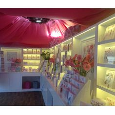 Stunning floor standing poppy product display for the Chelsea Flower show. Various designs of display stands for products ranging from cosmetics to electrical goods are available from Luminati.  We work with our clients to achieve cost effective and innovative designs which we will then manufacture in house.