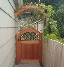 Lattice Archtop Gate