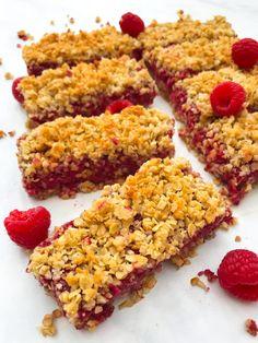 Healthy Coconut Raspberry Flapjacks (Oat Bars) I Georgie Eats Sweets Recipes, Just Desserts, Baking Recipes, Cake Recipes, Vegan Recipes, Healthy Vegan Snacks, Vegetarian Desserts, Vegan Vegetarian, Best Sweets