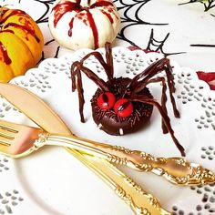 Lil baby #halloween spider DONUTS!  ✨✨video tutorial on my YouTube channel!  Yummery - best recipes. Follow Us! #healthyrecipes
