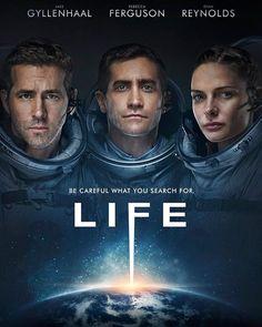 """Novo poster do suspense no espaço """"VIDA"""" estrelado por Jake Gyllenhaal Ryan Reynolds e Rebecca Ferguson.  Dirigido por Daniel Espinosa.   """"Cuidado com o que você procura""""... """"Uma equipe de seis astronautas da Estação Espacial Internacional descobre sinais de vida inteligente em Marte e a investigação do fato gera consequências inimagináveis.""""   #filme #cinema #suspense #ficçaocientifica #scifi #horror #terror #medo #tdm #filmedeterror #life #vida"""