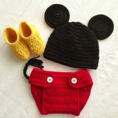 Crochet Patterns Boy Crocheted Newborn Boys Mickey Mouse Photo Prop Set - Hat, Diaper Cover and Boots Crochet Baby Boots, Crochet Baby Clothes, Crochet For Boys, Newborn Crochet, Crochet Mickey Mouse, Crochet Disney, Baby Boy Hats, Baby Boy Newborn, Mickey Mouse Photos