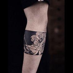 Pin for Later: 20 Gorgeous Blackwork Tattoos That Work Better Than SPF Fabulous Flora