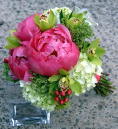 wedding florist, florist, bridal bouquet, budget wedding flowers, wedding flower, wedding tulips, tulips bridal bouquet, florists atlanta ga