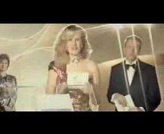 ▶ ANUNCIO COMPLETO CocaCola generacion 80s Extended version. - YouTube