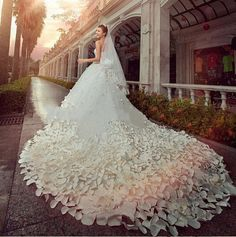 Cheap Mariage 2015 Crystal And Pearl Beaded Designer Appliques Flower Petal Long Trail Strapless Ball Gown Wedding Dress Free Measurement