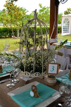 Country Chic Table in Aqua!