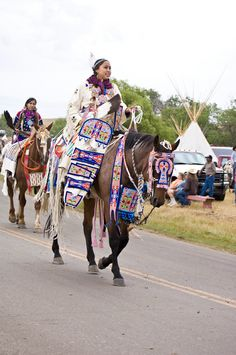 Crow Fair Parade, August 14, 2009. Crow Agency, Montana. Photograph by Emil Her Many Horses, NMAI.