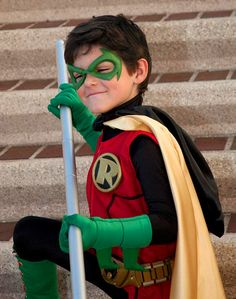 Robin - Best of Cosplay Collection - News - GeekTyrant. View more EPIC cosplay at http://pinterest.com/SuburbanFandom/cosplay/