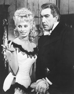 Sofia Loren and Anthony Quinn in Heller in Pink Tights Sophia Loren, Loren Sofia, Hollywood Cinema, Classic Hollywood, Vintage Hollywood, Classic Actresses, Actors & Actresses, Hollywood Actresses, Rhonda Fleming