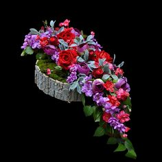 Modern Floral Arrangements, Flower Arrangements, Grave Decorations, Funeral Flowers, Paper Flowers, Marie, Rose, Plants, Art Floral